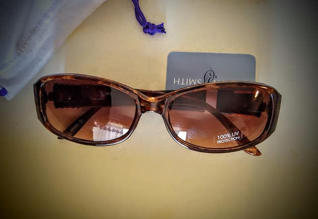 jaclyn smith glasses