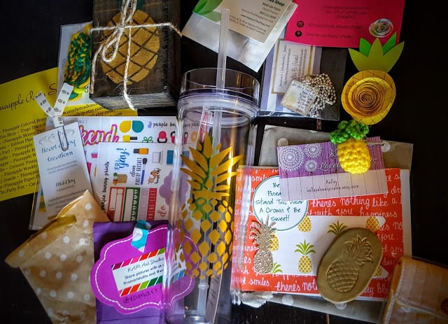 contents of the pineapple party box