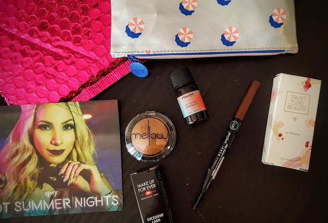 contents of july ipsy glam bag