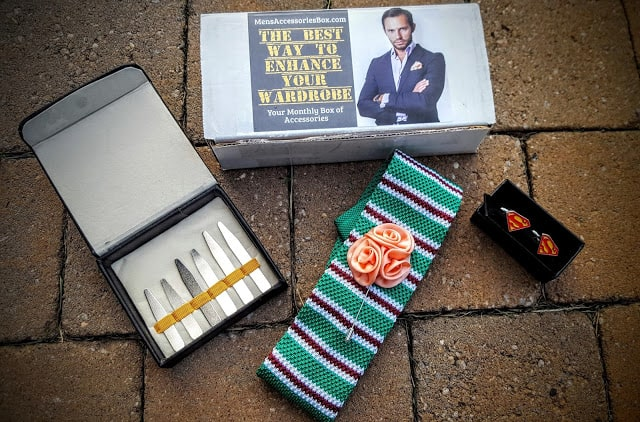 what's in the september men's accessory box?