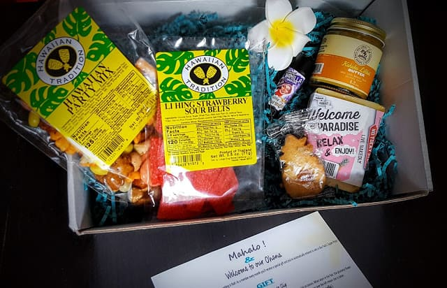 what's in the aloha pack
