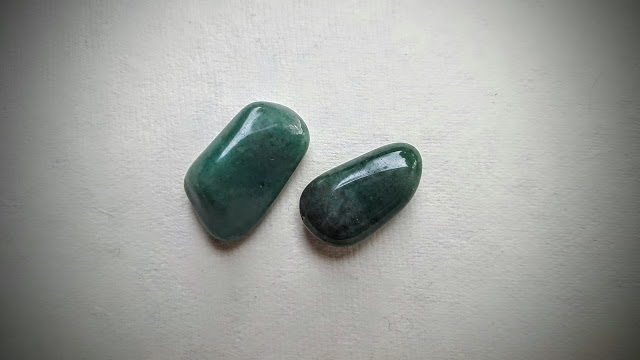 green adventurine stones