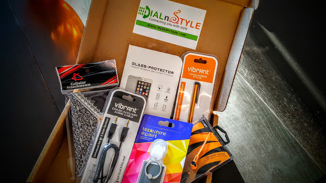 what's in the dial n style box
