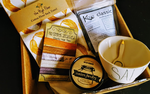 what's in the our southern hearts box
