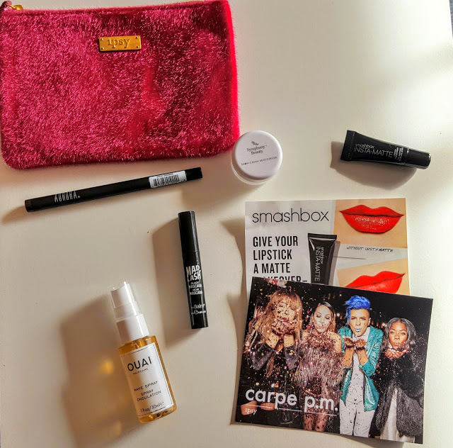 what's in the ipsy glam bag december