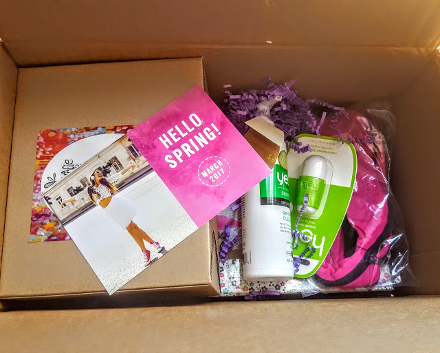 first look in the peaches and petals box