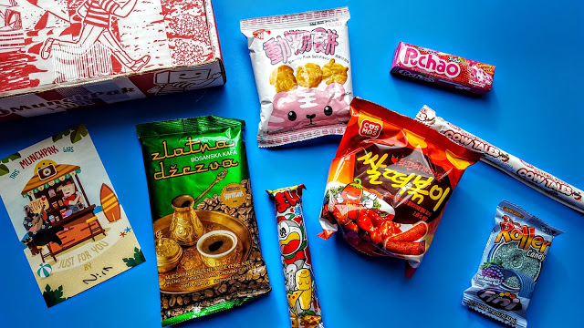 what's in the munchpak subscription box