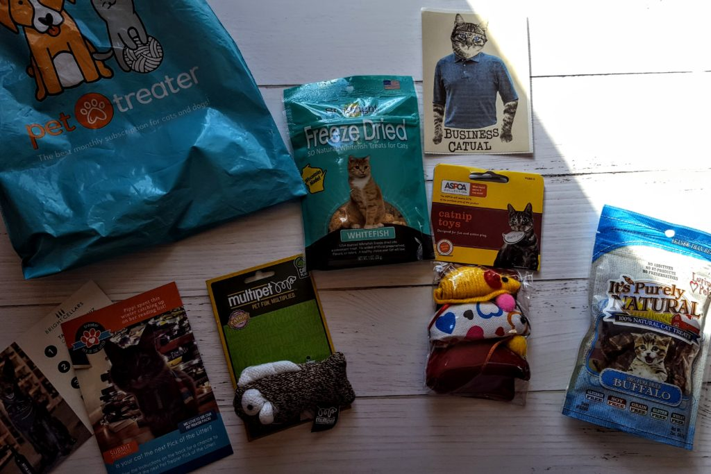 what's in the pet treater cat pack