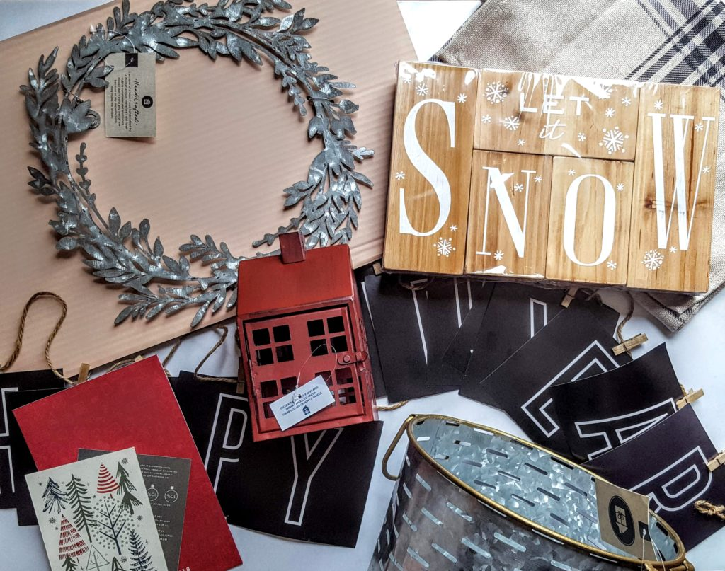 what's in the winter decocrated box